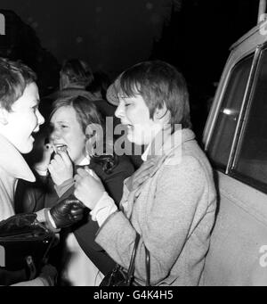 Eventi sociali - Paul McCartney Wedding - Marylebone Register Office di Londra Foto Stock