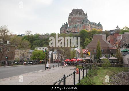 QUEBEC CITY - 24 Maggio 2016: Vista inferiore del Quebec City con Chateau Frontenac in background. Foto Stock