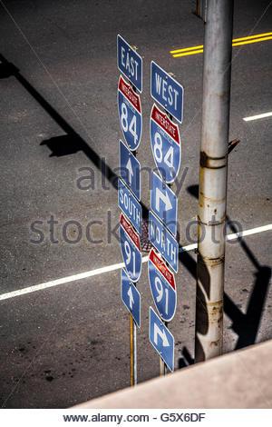 Segni della strada principale. Foto Stock