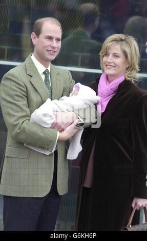 Il conte e la Contessa di Wessex con il bambino Foto Stock