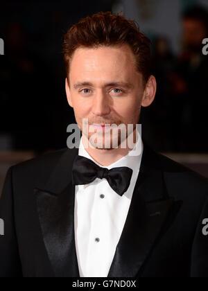 Tom Hiddleston partecipa all'EE British Academy Film Awards alla Royal Opera House di Bow Street a Londra. PREMERE ASSOCIAZIONE foto. Data immagine: Domenica 8 febbraio 2015. Vedere la storia di PA SHOWBIZ BAFTA. Il credito fotografico dovrebbe essere: Dominic Lipinski/PA Wire