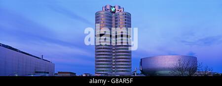La sede della BMW a Monaco di Baviera, Germania Foto Stock