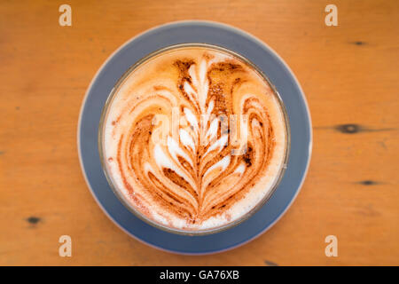 Caffè con latte art Foto Stock
