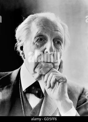 Frank Lloyd Wright. Ritratto del celebre architetto americano da Al Ravenna, 1954. Foto Stock