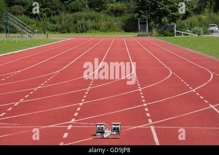 Via di corsa a Thames Valley centro atletico, Pococks Lane, Eton, Berkshire, Inghilterra, Regno Unito Foto Stock
