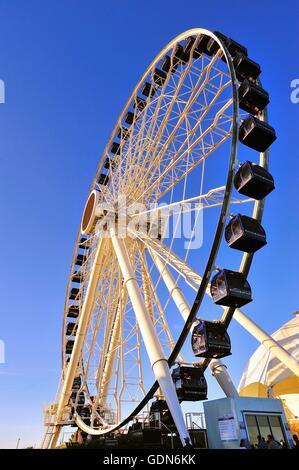 Il Centennial ruota, la ruota panoramica Ferris a Chicago il Navy Pier che ha aperto al pubblico alla fine di maggio Foto Stock