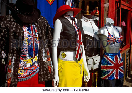 Londra, Inghilterra, Regent's Canal. Chalk Farm Road, Camden. Modalità patriottica Foto Stock
