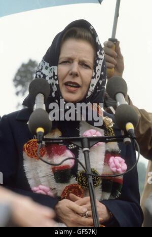 La signora Thatcher Partito Conservatore campagna elettorale 1983 Midlands Warwickshire UK HOMER SYKES Foto Stock
