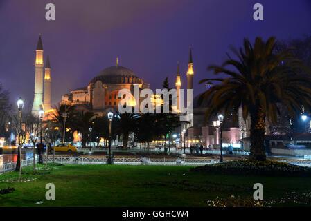Hagia Sophia in serata, Istanbul, Turchia Foto Stock