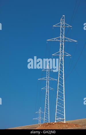 Pilone e di trasmissione della linea di alimentazione Foto Stock