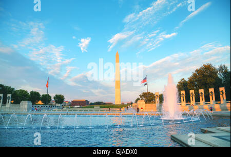 WASHINGTON DC - 1 settembre: il Memoriale della Seconda Guerra Mondiale con la gente il 1 settembre 2015 a Washington, Foto Stock
