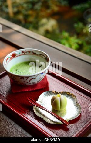 I dolci giapponesi e il tè Matcha, Kanazawa, Giappone Foto Stock