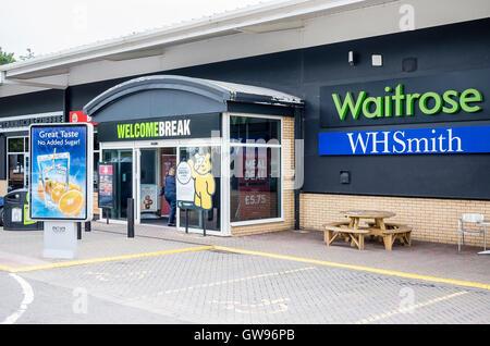 Ingresso WelcomeBreak a Cardiff Gate South Wales UK