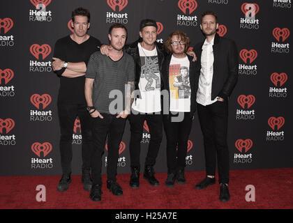 LAS VEGAS NV - 23 settembre: OneRepublic al giorno 1 del 2016 iHeartRadio Music Festival presso la T-Mobile Arena Foto Stock