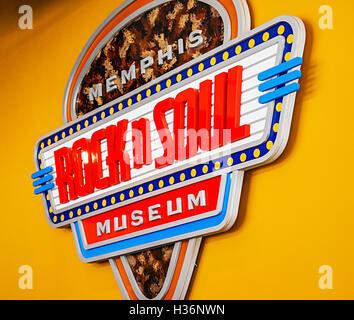 Il Memphis Rock N' Anima segno del museo all'interno della lobby on Beale Street a Memphis, TN