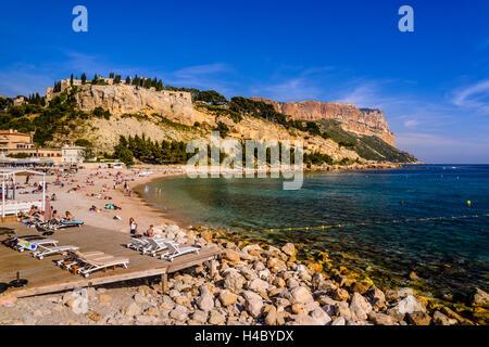 Francia, Provenza, Bouches-du-Rhône, Riviera, Cassis, porto, vista dal cappuccio Naio Foto Stock