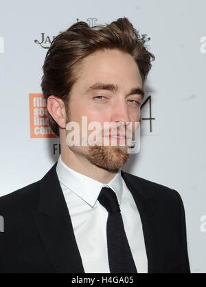 New York, NY, STATI UNITI D'AMERICA. 15 ottobre, 2016. Robert Pattinson assiste la cinquantaquattresima New York Foto Stock