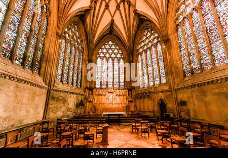 Il vetro macchiato Cattedrale di Wells Somerset REGNO UNITO Foto Stock