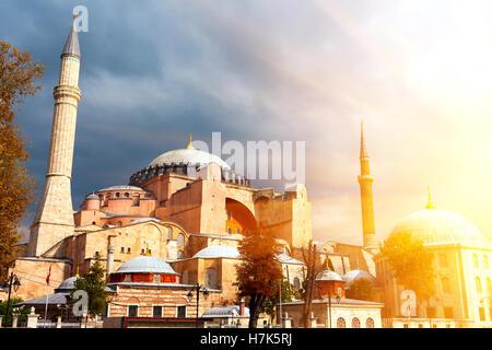 Hagia Sophia in Istanbul. Il famoso monumento di architettura bizantina. Vista della Basilica di Santa Sofia Cattedrale Foto Stock