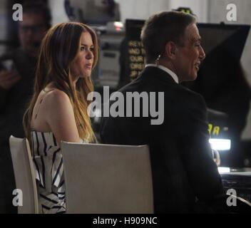 New York, NY, STATI UNITI D'AMERICA. 17 Nov, 2016. Isla Fisher in corrispondenza della NBC mostra oggi a New York City il 17 novembre 2016. Credito: Rw/media/punzone Alamy Live News