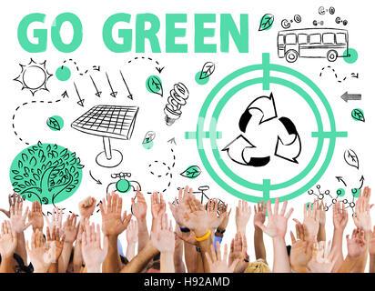Go Green il riutilizzo Sun Bus concetto freccia Foto Stock