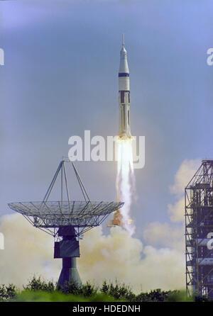 L' Apollo 7 Saturn IB veicolo spaziale lancia dal Kennedy Space Center Launch Complex 34 Ottobre 11, 1968 in Titusville, Florida. Foto Stock