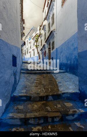 Le strade e i vicoli della medina di Chefchaouen, Marocco Foto Stock