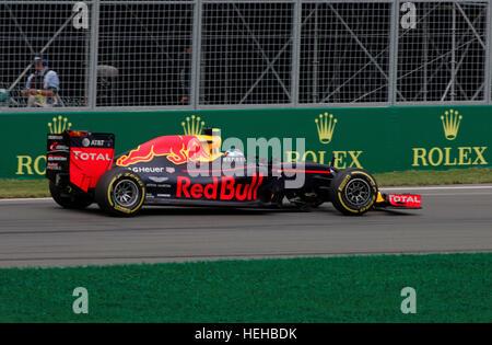 Max Verstappen (NED) per Red Bull Racingat la sessione di qualifica per la Formula Uno Gran Premio canadese tenutasi sul circuito Gilles-Villeneuve in M