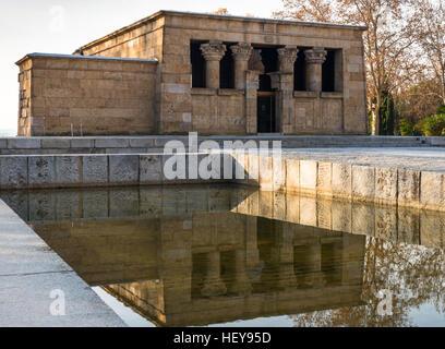 Templo de Debod, tempio Nubiano, crepuscolo, un dono dal governo egiziano di Spagna nel 1968, Madrid, Spagna, Penisola Foto Stock