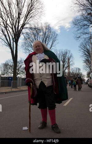"""Mickey Scroggins va """"Ovunque Benjamin Franklin è necessaria,"""" dice il autonomi interprete storico di Benjamin Franklin Foto Stock"""