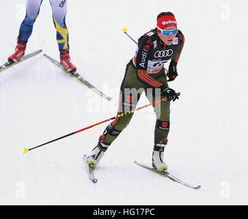 Oberstdorf, Germania. 04 gen 2017. Katharina Hennig di Germania gli sci in campo femminile gara di inseguimento Foto Stock