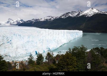 Ghiacciaio Perito Moreno sul Lago Argentino, El Calafate, Parque Nacional Los Glaciares, Patagonia, Argentina, Sud Foto Stock