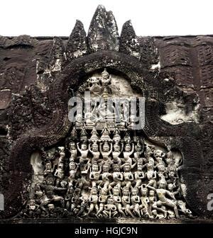 Angkor Wat più grande monumento religioso nel mondo, costruito come un tempio indù di dio Vishnu per l'Impero Khmer, trasformando progressivamente in un tempio buddista costruito dal re Khmer Suryavarman I XII secolo Yaśodharapura ( Angkor complesso archeologico di diversi capitelli Impero Khmer 9-15secolo Cambogia )