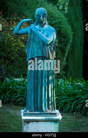 Statua nel giardino di Villa Cimbrone, Ravello, Campania, Italia