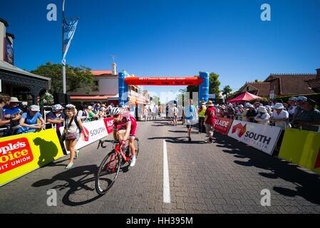 Adelaide, South Australia, Australia. Xvii gen, 2016. Gara linea di start, stadio 1 del Tour Down Under, Australia Foto Stock