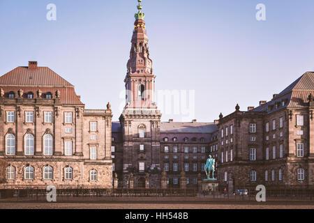 Immagine del palazzo e il palazzo del parlamento di Christiansborg. Copenhagen, Danimarca. Foto Stock