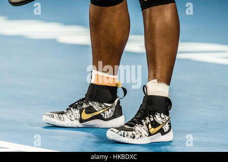 Melbourne, Australia. 28 gen, 2017. Scarpe di Serena Williams degli Stati Uniti che ha vinto il suo ventitreesimo Foto Stock