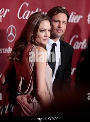 Angelina Jolie e Brad Pitt arrivano al Palm Springs Film Festival di Palm Springs, California, il 7 gennaio 2012. Foto Stock