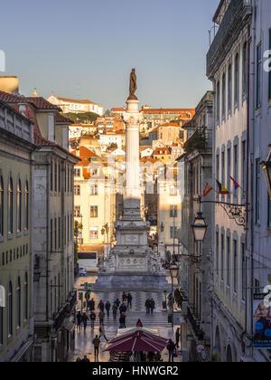 Lisbona, Portogallo - 10 gennaio 2017: Colonna di Pedro IV sulla piazza Rossio (Piazza Pedro IV) a Lisbona, Portogallo, Foto Stock