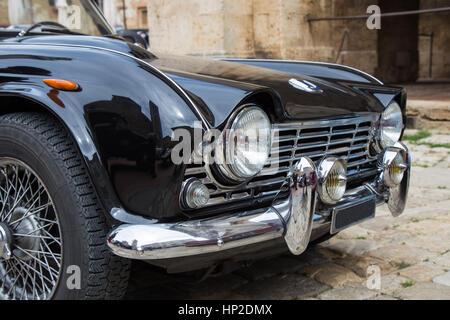 Annata nera auto anteriore Foto Stock