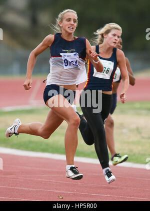 Cape Town, Sud Africa. 18 Febbraio, 2017. Durante la seconda WP lega atletica via e il campo incontro a Parow pista Foto Stock