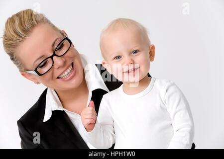 Modello rilasciato , Mutter und Tochter einjaehrige - madre e figlia Foto Stock
