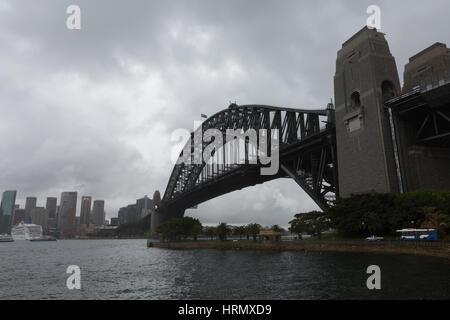 Sydney, Australia. Il 3° marzo 2017. Una settimana di pioggia e temporali continua su Sydney e parti del Nuovo Galles Foto Stock