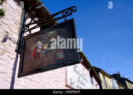 Viste della città Wincanton in somerset England Regno Unito. Capanna dello zio Tom Pub Foto Stock