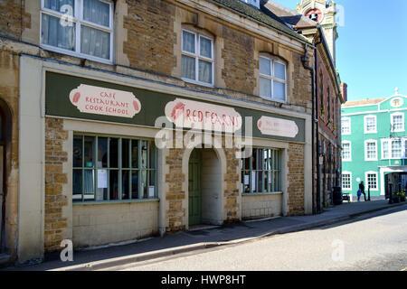 Viste della città Wincanton in somerset England Regno Unito. Red Fearns Cafe Foto Stock