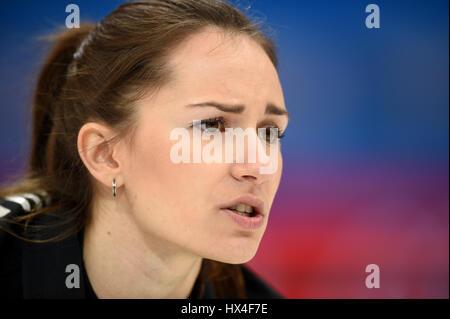Pechino, Cina. 23 Mar, 2017. Anna Sidorova della Russia compete durante il mondo femminile Campionato di Curling semifinale partita contro la Svizzera a Pechino Capitale della Cina, 23 marzo 2017. La Russia ha vinto 9-3. Credito: Ju Huanzong/Xinhua/Alamy Live News