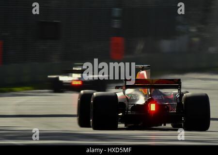 Albert Park di Melbourne, Australia. 26 Mar, 2017. La Redbull racing car rotonda svoltare due al 2017 Australian Formula One Grand Prix all'Albert Park di Melbourne, Australia. Sydney bassa/Cal Sport Media/Alamy Live News
