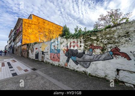 Pittura murale da David Pintor su Miguel Bombarda street a Massarelos parrocchia civile di Porto, la seconda più Foto Stock