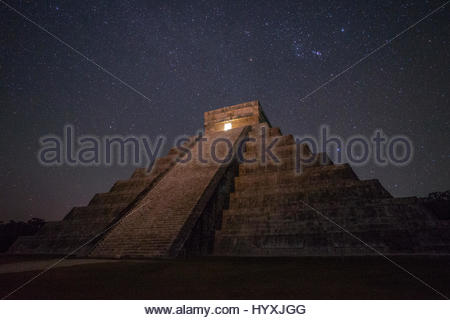 La Grande Piramide di El Castillo, in Chichen Itza. Foto Stock