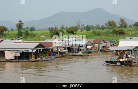 Villaggi galleggianti di Kampong Chhnang, Cambogia Foto Stock
